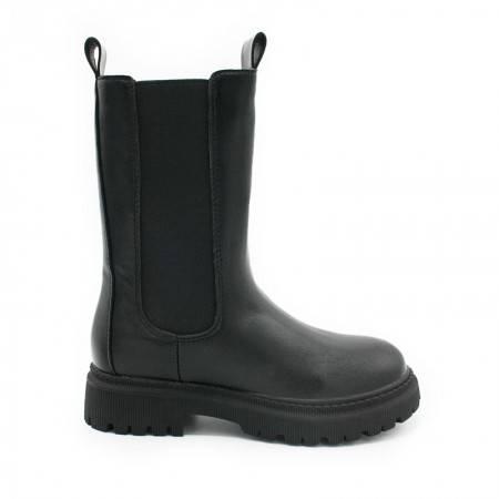 botas negras de niña