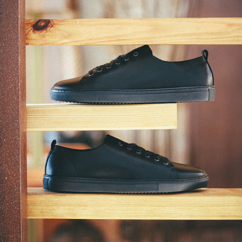 zapatos-negros-piel-hombre-santana.jpg